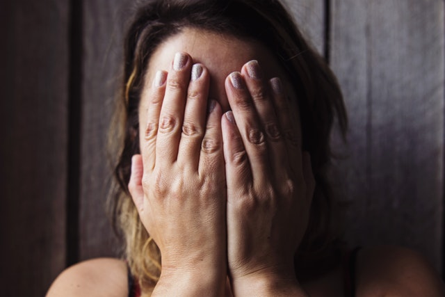 https://www.pexels.com/photo/alone-expression-female-hands-551586/