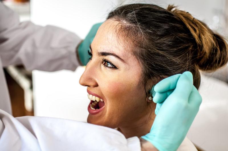 Las causas de los dolores en los dientes
